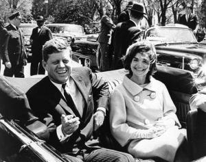 President-John-F-Kennedy2Bwith2Bjackie2Btwo2Bin2Bseat